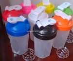 protein powder blender/shaker bottle