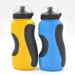 PE sport bottle with grip 500ml with dust proof